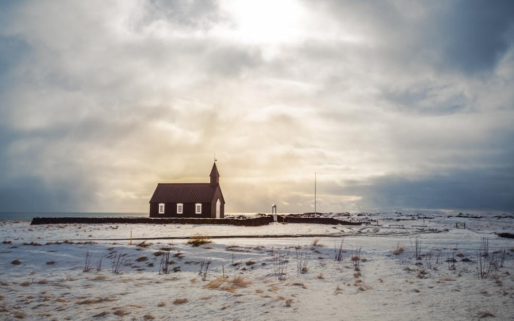 Kirche im Sonnenschein